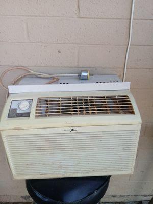 Zenith 2w 5000t8 Air conditioner. Work great for Sale in Phoenix, AZ