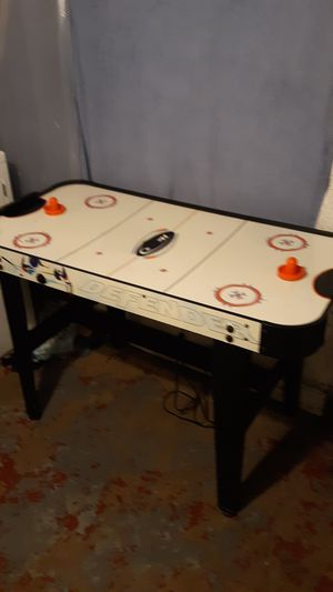 Air hockey table for Sale in Covington, KY