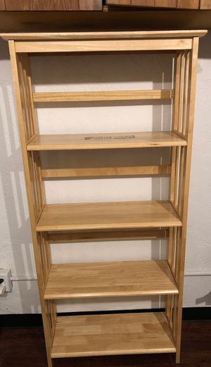 Shelf wood must pick up today Lake Oswego FREE for Sale in Lake Oswego, OR