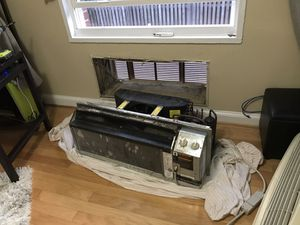 Carrier PTAC AC Unit w/ Heat pump & Cover for Sale in Alexandria, VA