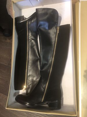 Michael Kors Leather Boots 5.5 for Sale in Atlanta, GA