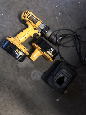 DeWault 18v Drill w/ Extra Battery, Charger, & carrying box included for Sale in Evansville, IN