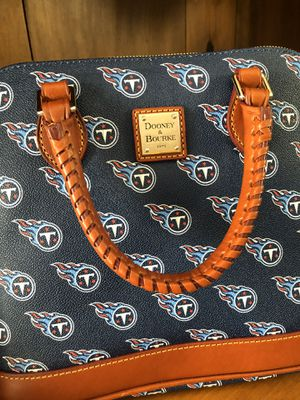 Official NFL Titans logo leather bag by Dooney and Bourke. NWT for Sale in Franklin, TN