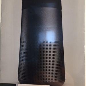 Bose Soundlink Revolve Speaker for Sale in Newport News, VA