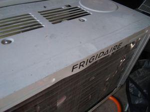 Frigidaire home air conditioner unit window AC unit Frigidaire for Sale in Houston, TX