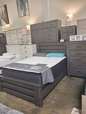 4 PC Queen Bedroom Set (Queen Bed, Dresser, Mirror, Nightstand Included), Rustic Black for Sale in Westminster, CA