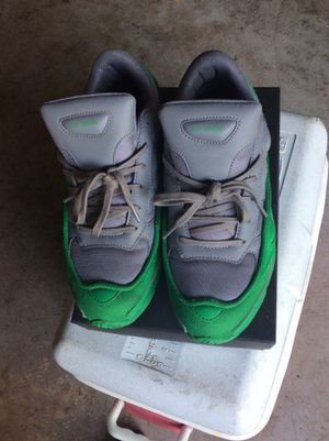 ADIDAS RAF SIMONS OZWEEGO GREY AND GREEN SIZE 9 for Sale in Rockville, MD