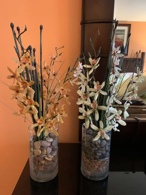 2 Floral accent vases for Sale in Elizabethtown, PA