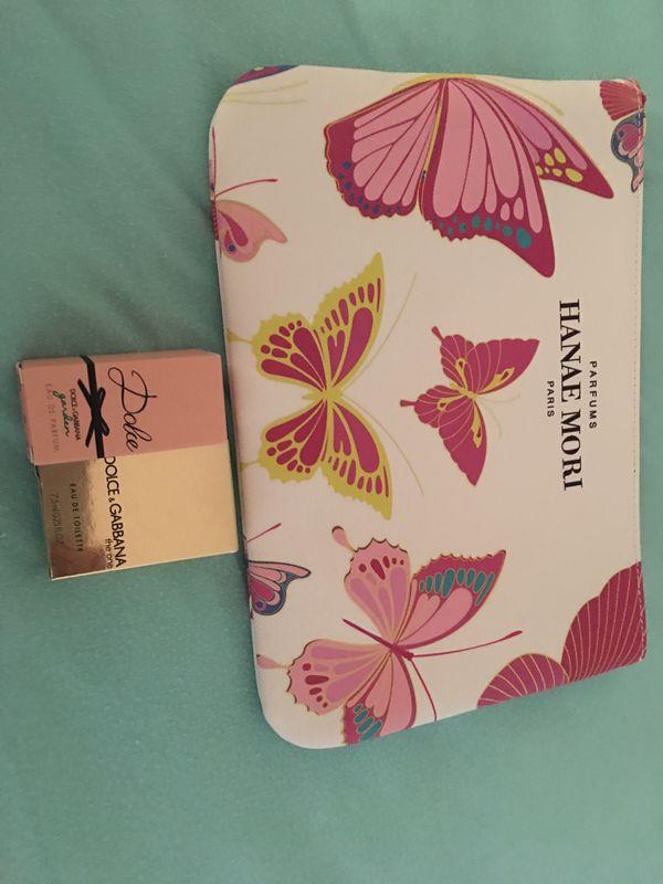 Makeup bag and mini perfumes