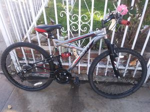 Huffy ridge mountain bike for Sale in Los Angeles, CA