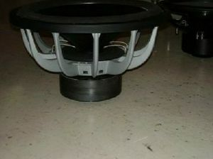 18 inch re audio subwoofer 2000 watts!!!! Will include a ported box tuned to 32 hertz with a re audio 2000 watt amp. Hits hard for the price!!! for Sale in Mesa, AZ