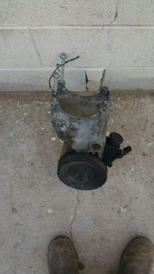 Power steering pump with bracket off hey 2005 GMC truck for Sale in Phoenix, AZ