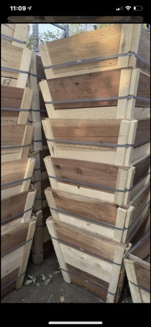 """New 24"""" wooden planter box $20 each , wood box for plant, wood planter 24""""x24""""x22"""" for Sale in Highland, CA"""