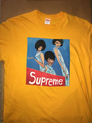Supreme group tee size large yellow for Sale in Tualatin, OR