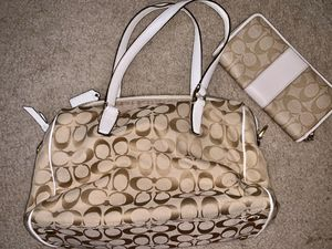 Coach purse W/matching wallet for Sale in Lancaster, CA