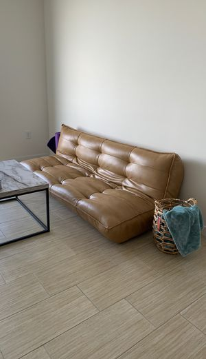 Urban Outfitters futon/couch for Sale in Miami, FL
