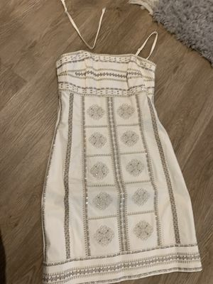 Beautiful white house black market dress worn only ones for wedding size 2 for Sale in Barrington, IL