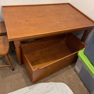 Kids table And Chairs for Sale in Hollywood, FL