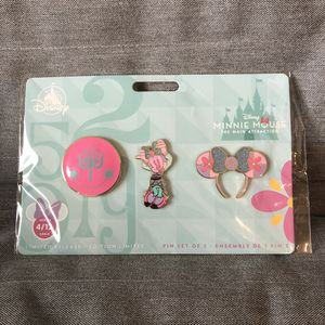 Minnie Mouse Main Attraction it's a small world pins Disney for Sale in Queens, NY