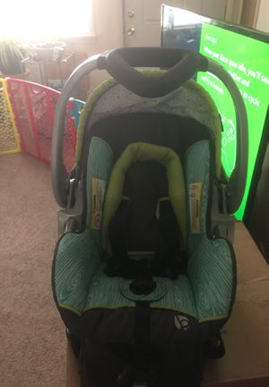 Infant car seat for Sale in Mitchell, IL