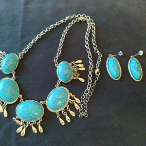Turquoise Necklace & Earrings for Sale in Evansville, IN