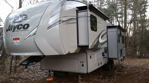 Jayco Eagle HT Fifth Wheel 25.7RTLS for Sale in Brookline, NH
