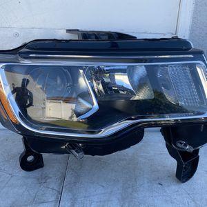 Jeep Grand Cherokee 2017 2018 2019 Headlight OEM for Sale in Norwalk, CA