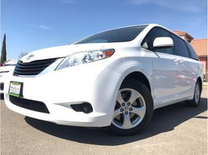 2014 Toyota Sienna for Sale in Madera, CA