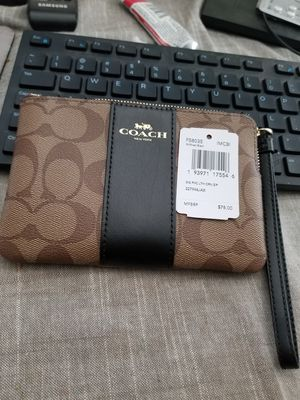 New with tags genuine Coach wristlet bag purse for Sale in Inglewood, CA