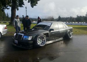 89 260e mercedes, lots of aftermarket parts for Sale in Marysville, WA