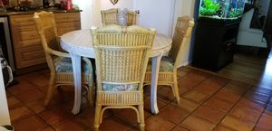 Dining Room / Kitchen table w/ 4 chairs for Sale in Largo, FL