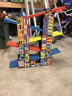 Melissa and Doug wooden ramp racer for Sale in Bothell, WA