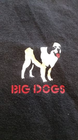 Big Dogs Who Let the Hogs Out? T-shirt Size XL for Sale in Indianapolis, IN
