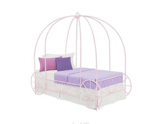 Brand new in box twin size carriage bed in lilac for Sale in Hialeah, FL