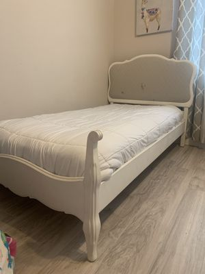 Vintage Twin size bed with Mattress for Sale in Ceres, CA