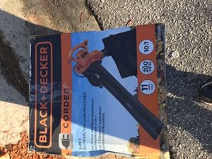 Black and decker blower with bag for Sale in Irmo, SC