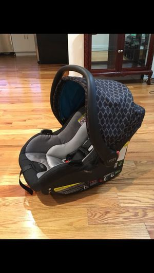 Infant Car Seat for Sale in Chelsea, MA
