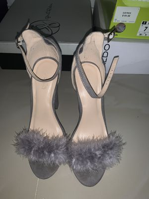 Suede puffy grey heels for Sale in Sunrise, FL