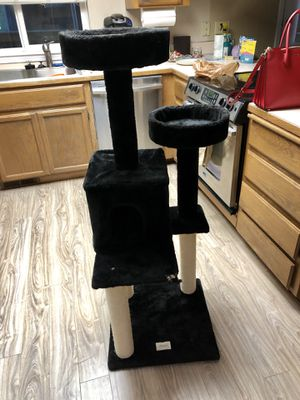 Cat Tree for Sale in Puyallup, WA