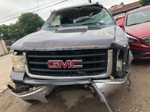 2010 GMC SIERRA 5.3 4x4 FOR PARTS PARA PARTES for Sale in Houston, TX