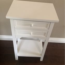 Small Side Sofa Table White for Sale in Rancho Cucamonga,  CA