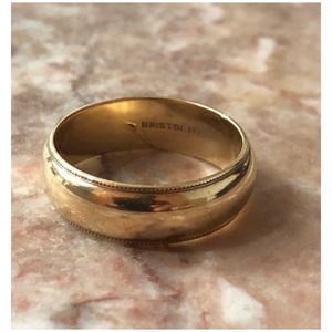 14KT Yellow Gold Simple Design Men's Wedding Band Ring 9.75-10 for Sale in Naperville, IL