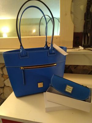 NWT Dooney & Bourke Royal Blue Tote & wallet for Sale in Vancouver, WA