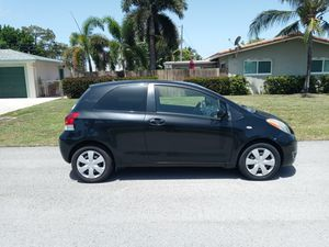2010 toyota yaris 97.000 miles clean title for Sale in Pompano Beach, FL