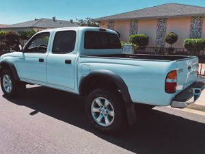 Toyota Tacoma 2003 Automatic transmission for Sale in Hapeville, GA