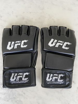 New! UFC MMA training gloves for Sale in Las Vegas, NV