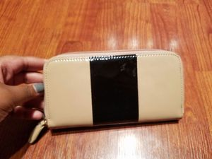 Charming Charlie Black and Nude Patent Leather Wallet for Sale in Houston, TX