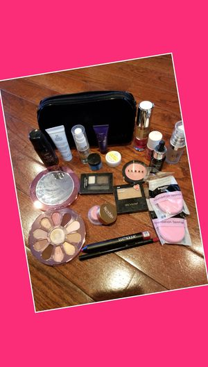 Makeup bundle for Sale in Tacoma, WA