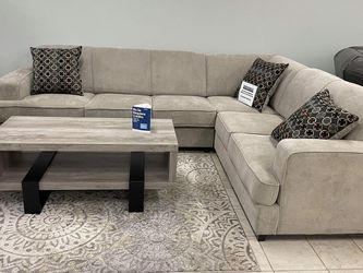 Nice Sleeper Sectional And It Comes With The Mattress Inside for Sale in Irving,  TX