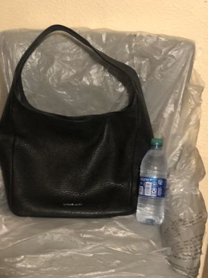 Beautiful black leather Michael kors purse. for Sale in Fowler, CA